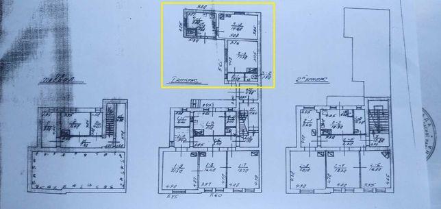 Продам квартиру з окремим входом,місце під авто,під альтанку.