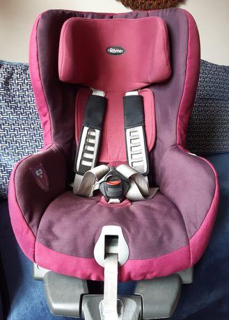 Fotelik samochodowy Britax & Romer Safefix Plus 9-18 kg