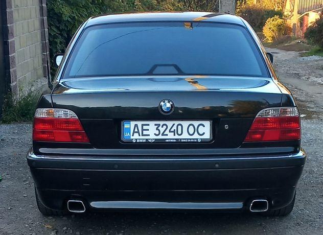 Продам BMW 735i e38
