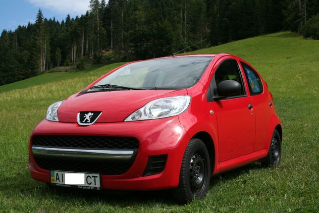 Peugeot 107. 2011 Год. 1 Хозяин. 5 дверей. Эксплуатация в ЕС.