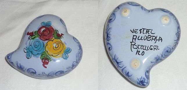 Caixa em porcelana de Alcobaça forma de coração vintage