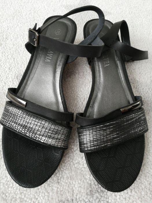 Buty na małym koturnie z CCC stan idealny Lubin - image 1