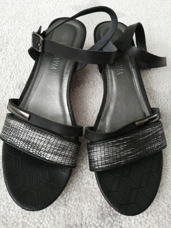 Buty na małym koturnie z CCC stan idealny