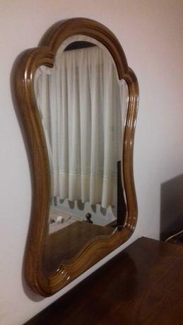 espelho clássico em castanho
