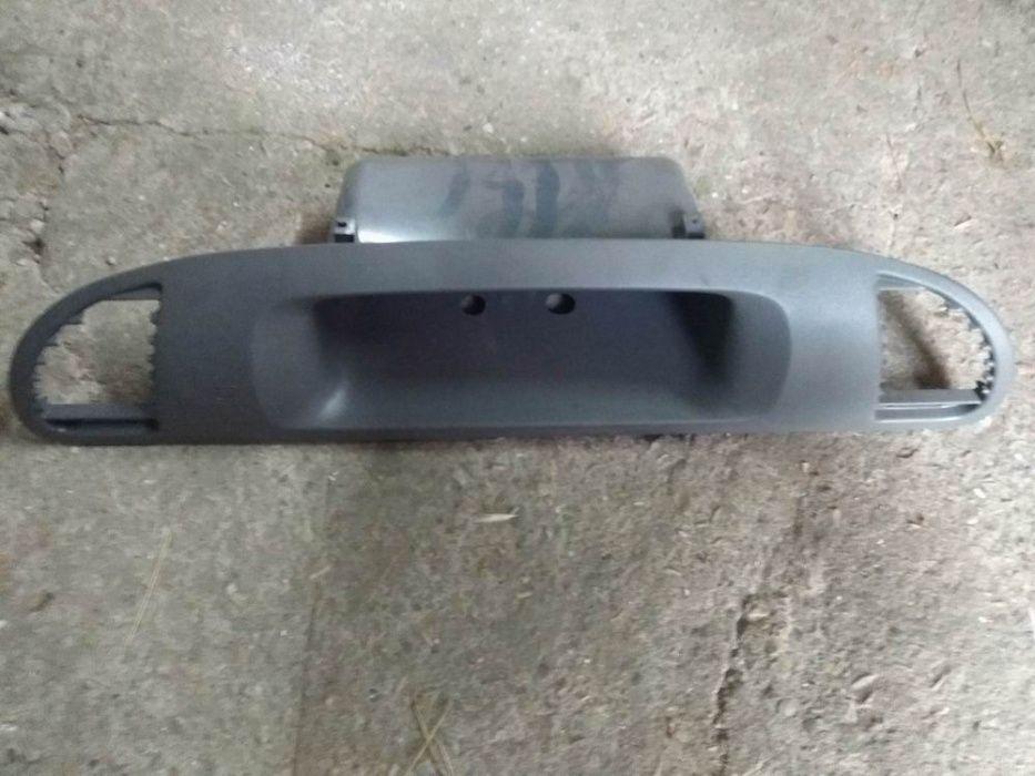 Б.У. Дефлекторы Торпеды Mercedes Sprinter CDI Правая Панель Южное - изображение 1