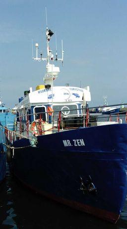 Jacht motorowy, statek