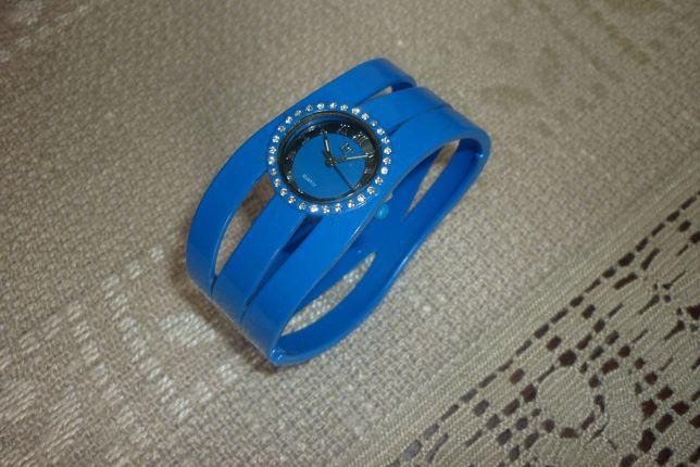 Zegarek BT na bransolecie obręcz niebieski chabrowy
