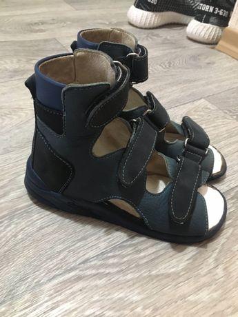 Продам ортопедические сандалии Ортофуд