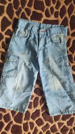 Продам джинсовые бриджи на мальчика