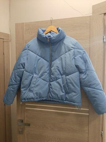Короткая куртка.