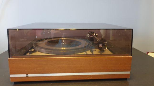 Gramofon Dual 1209 w drewnie