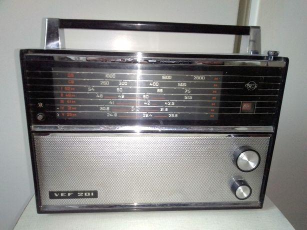 Радиоприемник VEF-201.