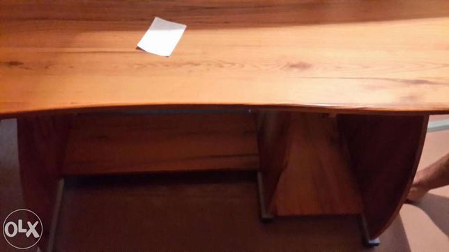 Письменный/компьютерный стол