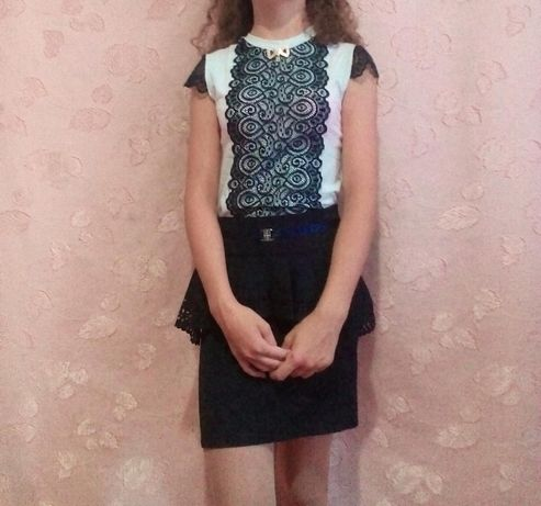 Продам школьную юбку и блузку