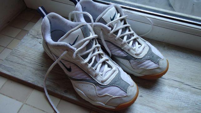 кроссовки Nike фирм.