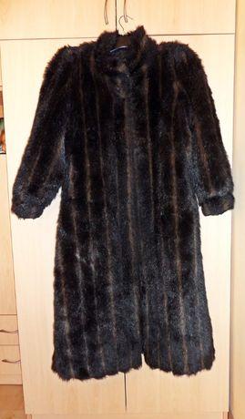 płaszcz sztuczne futro