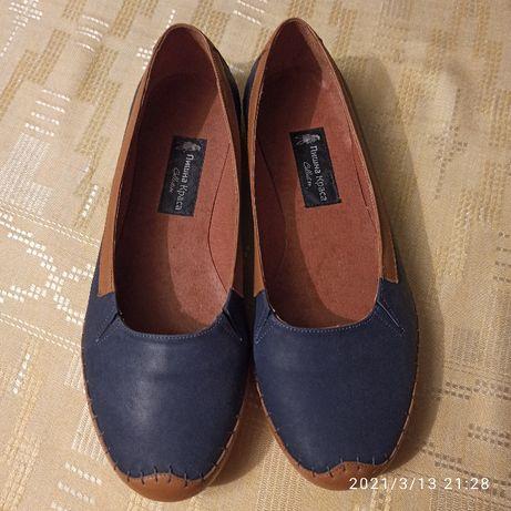 Продам женские балетки туфли кожаные
