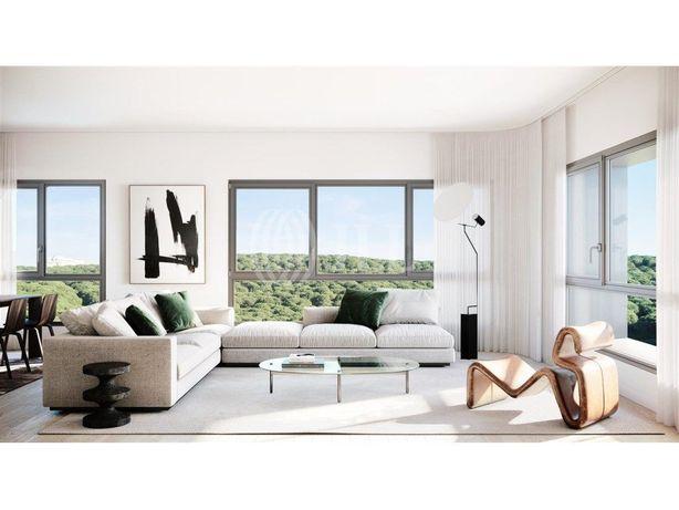 Apartamento T2 com Estacionamento Miraflores Park
