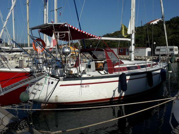 jacht morski Dufour 4800