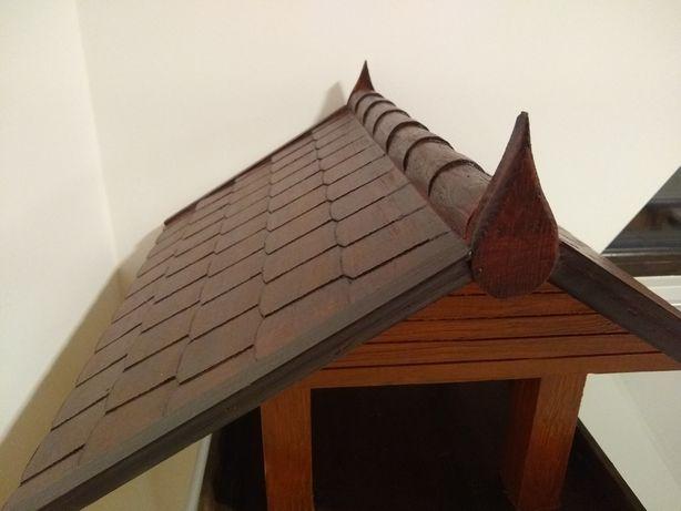 Duży RZEŹBIONY w drewnie karmnik dla ptaków, domek handmade rzemiosło