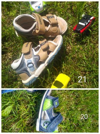 Босоніжки, босоніжки, сандалі, сандалики