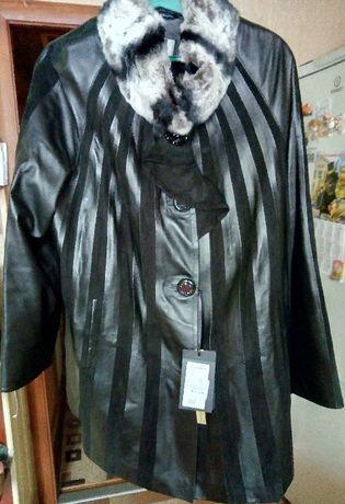 Продам новую женскую кожаную куртку р.52-54 черного цвета Турция