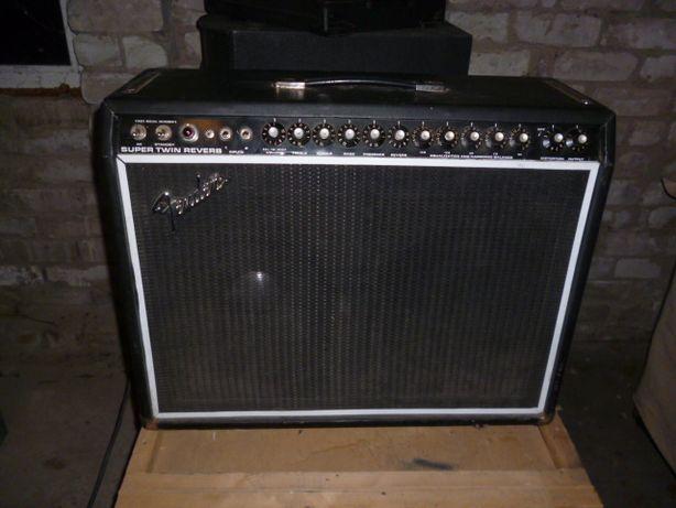 Продам гитарный FENDER Super twin reverb 180 Wt