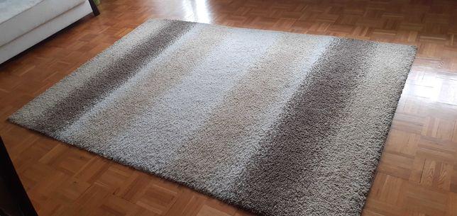 Sprzedam dywan pokojowy