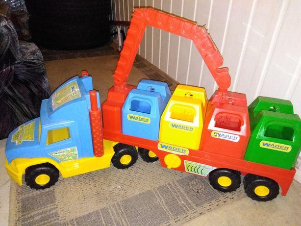 Ciężarówka wader z kontenerami