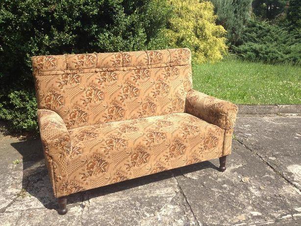 stara sofa 100-lenia