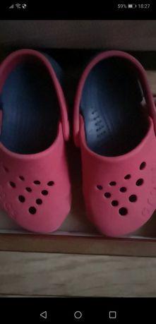 Sandały crocs czerwone