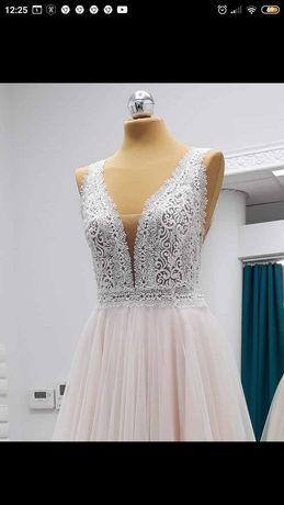 Suknia ślubna 36. Elizabeth Passion.