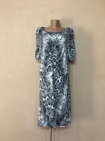 Шикарное платье большой размер 56 58 60 змеиный принт крокодил осень