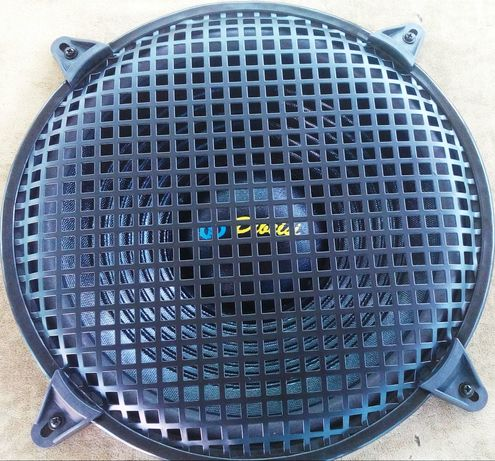 Металлические сетки ( грили ) для динамиков от 20 до 38 см