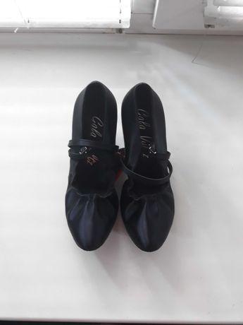 Туфли для танцев новые, 21см стелька, сатин черный, для бальных танцев