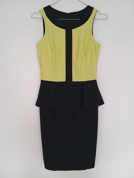 Dopasowana sukienka mini z baskinką 34