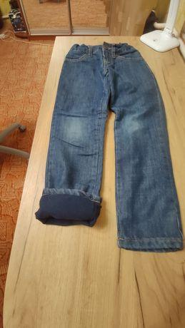 Продам теплі джинси 128 р
