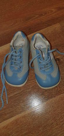 Туфельки на мальчика  18 размер