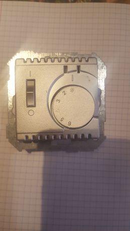 термостат SIMON 82