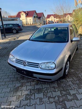 Volkswagen Golf VW Golf 4 1.6 benzyna, klima 158000 przebiegu.