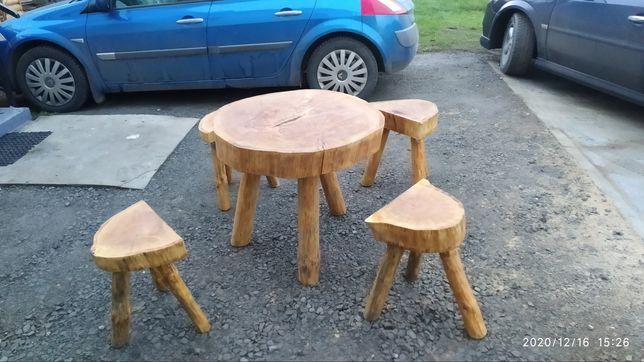 Stół dębowy z 4 taboretami