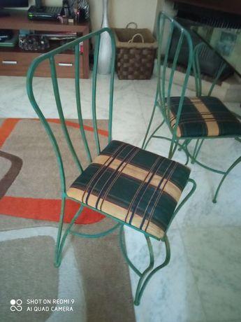 4 cadeiras / 1 mesa