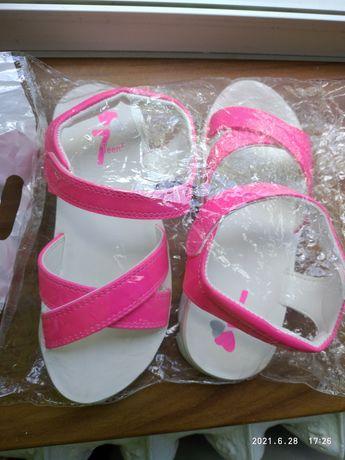 Продам сандали детские 32 размер