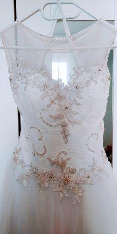 Suknia ślubna biała koronka kryształki