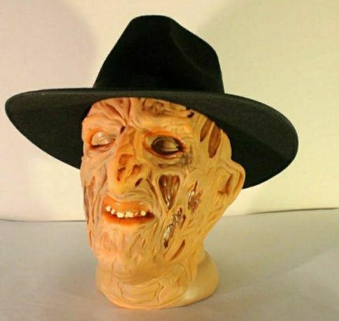 Латексная маска Фредди Крюгер в шляпе