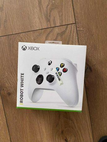 Xbox seria x + dwa pady gamepass oraz5 gier