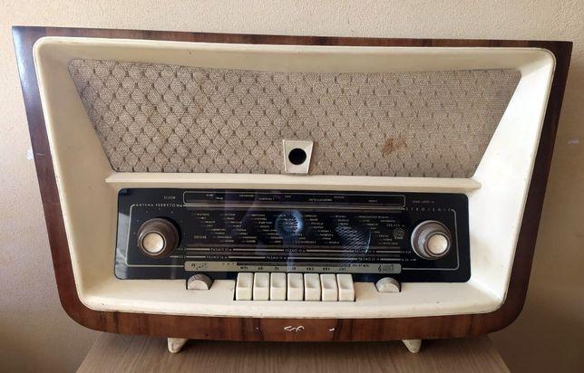 Radioodbiornik BOLERO 3281 ZRK radio lampowe