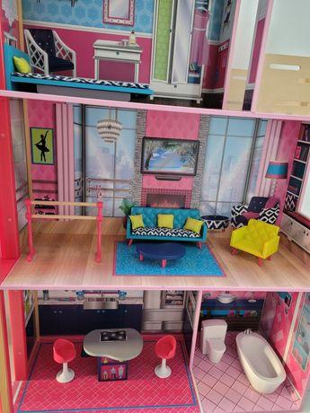 Domek dla lalek z windą