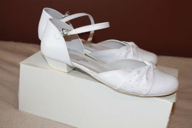 Eleganckie, białe, komunijne buty dziewczęce ZARRO, rozm.36
