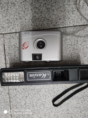 Duas Máquinas Fotográficas Antigas